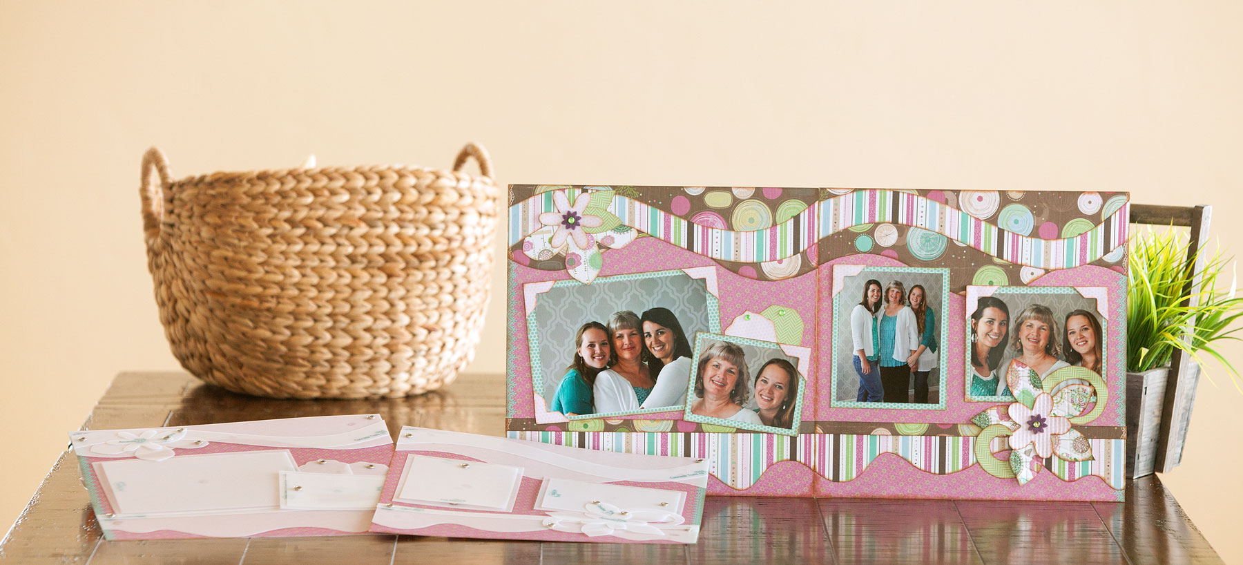 Check out these awesome scrapbooking ideas.